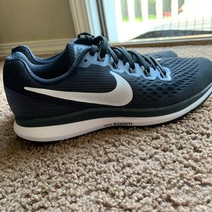 Womens Nike Zooms
